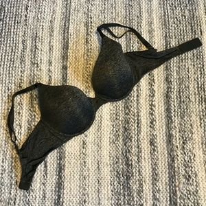 Victoria's Secret Uplift Semi Demi T-shirt Bra 32D